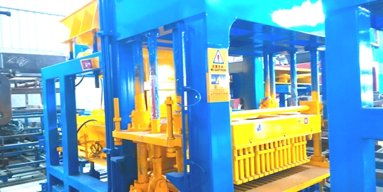 Fully Automatic Machine for Making Block Pavers