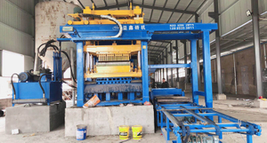 QTMT 12-25 Free Pallet Making Machine Working in Syria