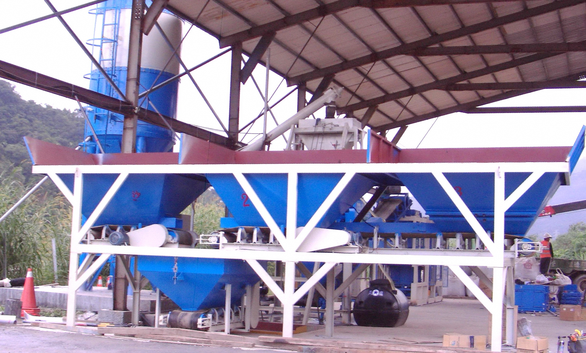 Oman QT8-15 Block Machine Supplier Working in Muscat And Salalah Interlock Paver